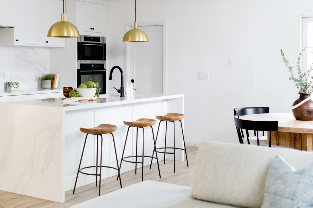 white kitchen island with barstools - the habitat collective interior design - #projectpeachy