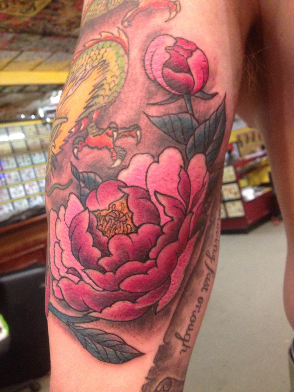 matt-lucci-tattoo-flower-tattoo-design-sleeve.JPG