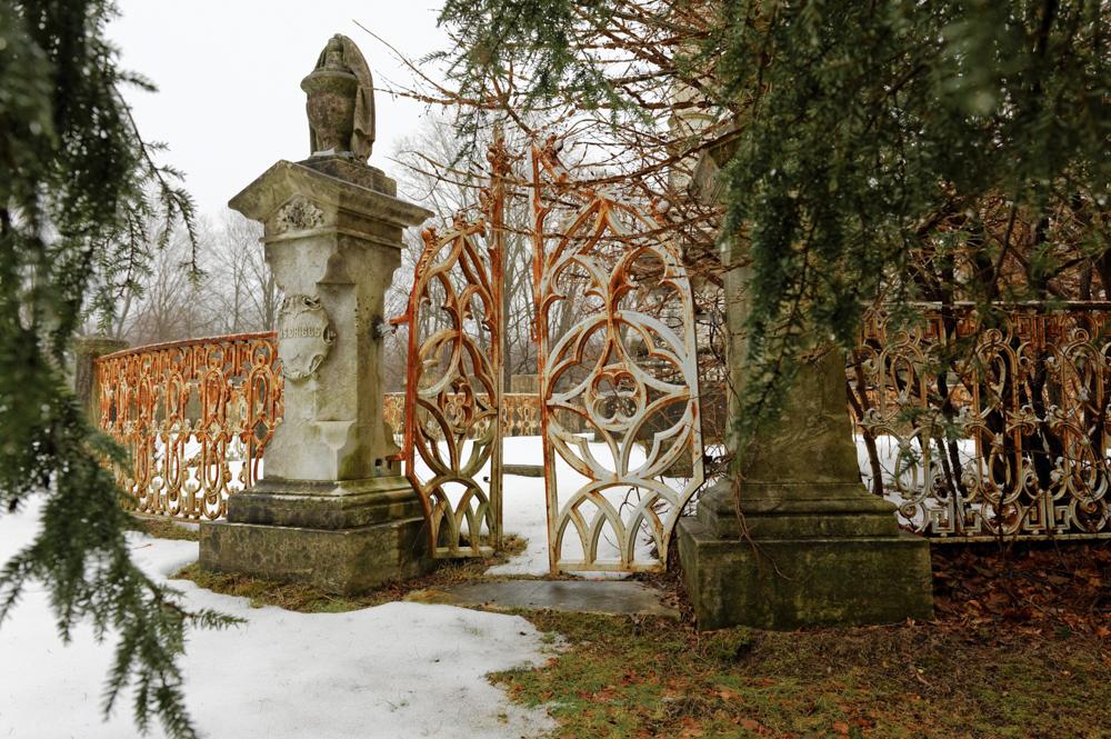 Redding Ridge Cemetery DSC_5911_DxO8 final print web.jpg