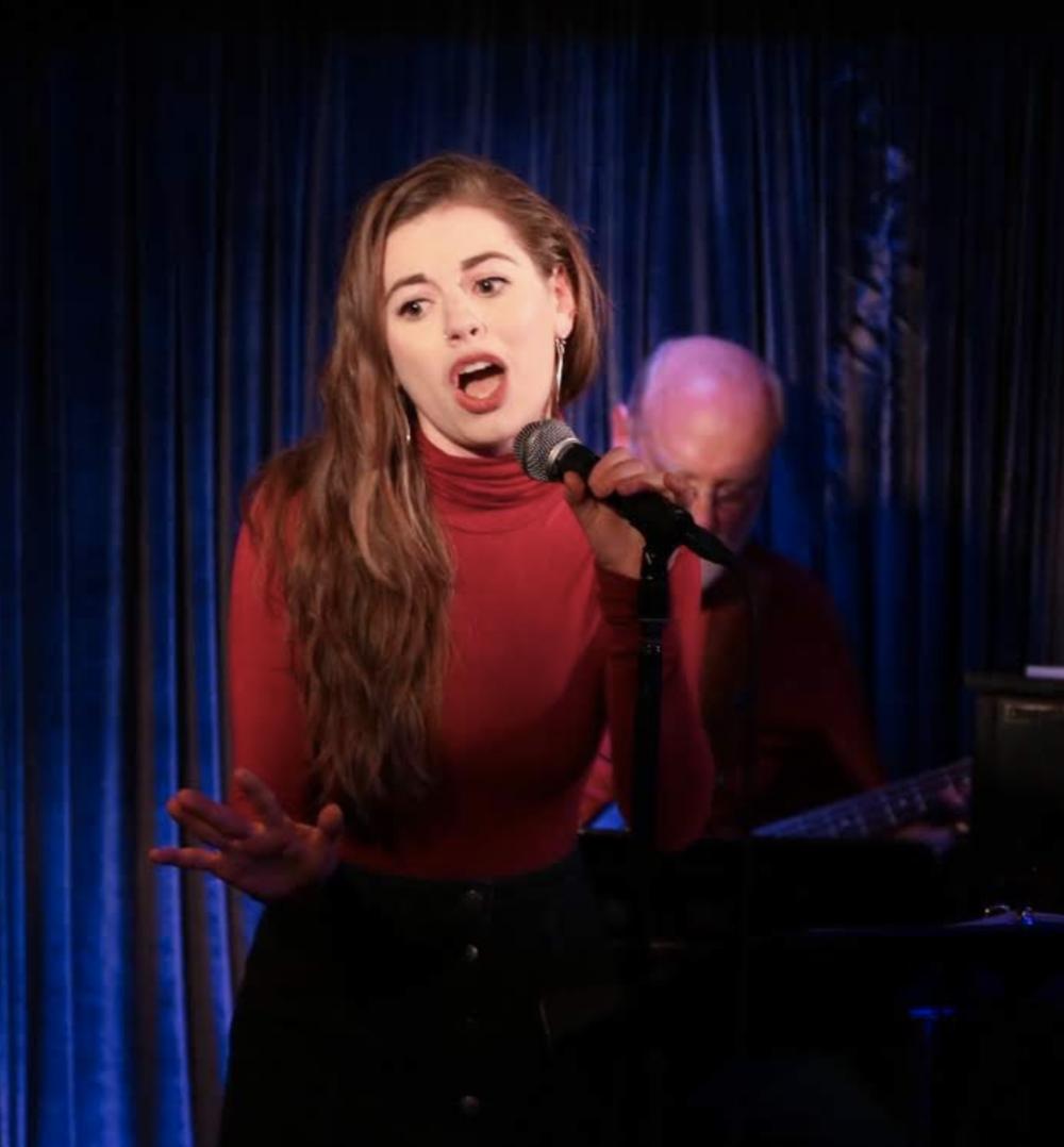 rachel singing in hedgepig's first-ever cabaret fundraiser!