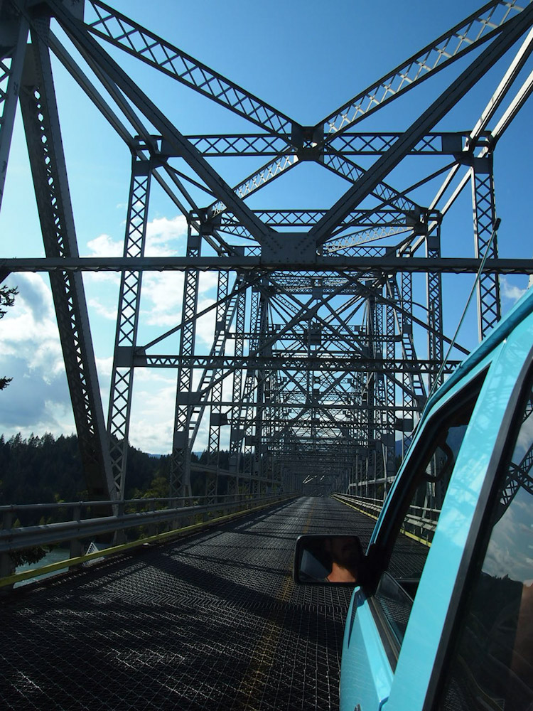Crossing the bridge of the gods over the columbia river in oregon