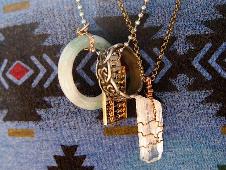 090615web_necklace.jpg
