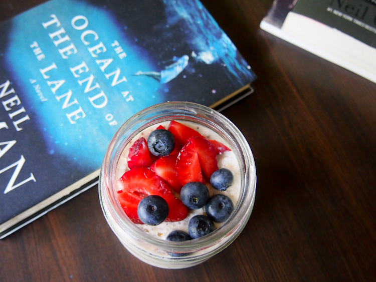 Breakfast: Overnight oats with berries