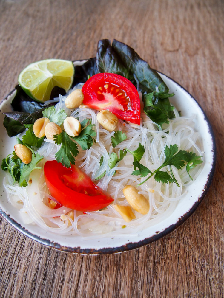 Thai glass noodle salad yum woon sen video vermilion roots thai glass noodle salad yum woon sen vermilionroots this popular forumfinder Choice Image