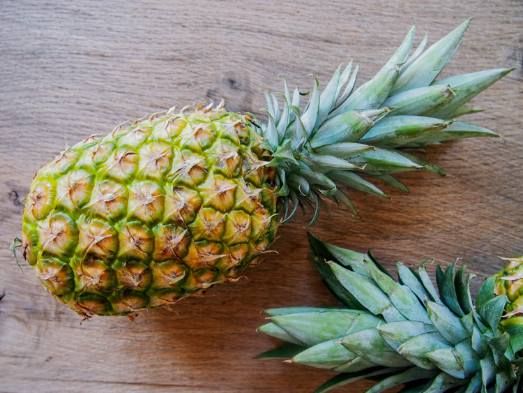 How to make pineapple boat | vermilionroots.com.