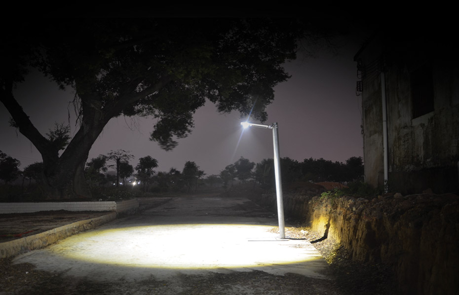 brightBeam-solar-street-light