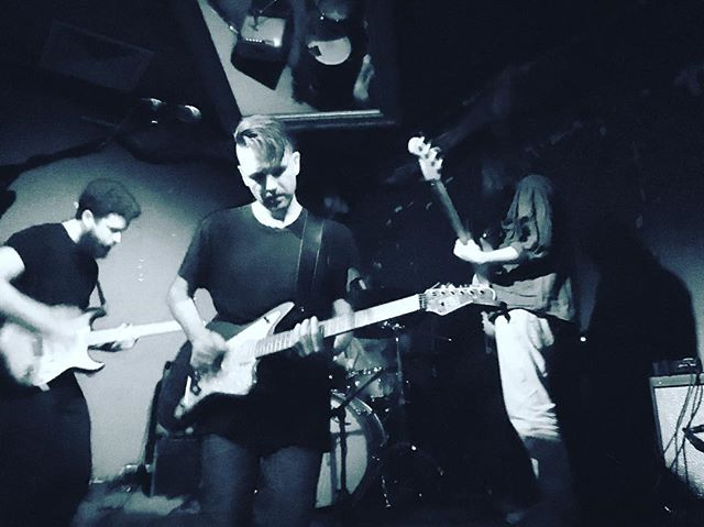 @stillmovementmusic kicking out the jams tonight at @baropenfitzroy after @slowdissolveband and Ladie Dee of @h_a_t_m_snaps #melbournemusic #musicvictoria
