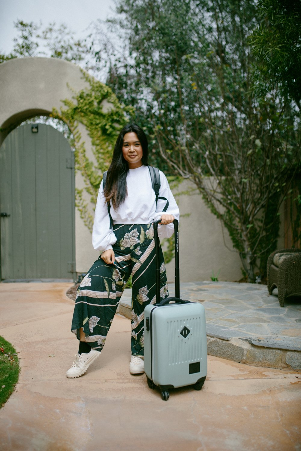 Pants:  Novella Royale , Cropped Sweatshirt:  Missguided , Shoes:  Converse , Suitcase:  Herschel Supply Co , Backpack: Adidas