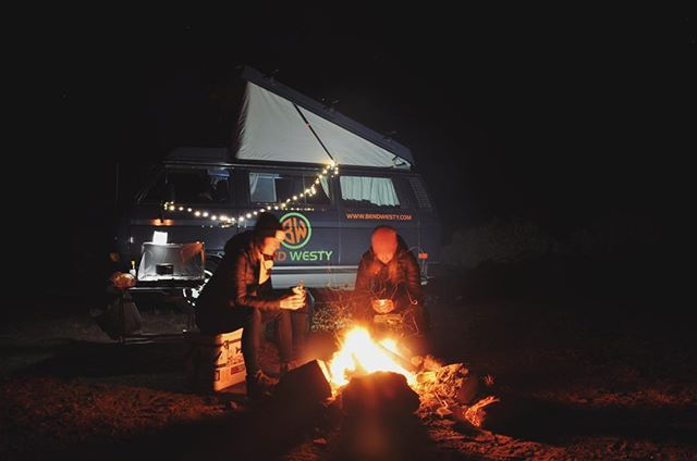 When it feels like spring in January, you might as well log a few nights around a campfire. 📸 @kimbrannock