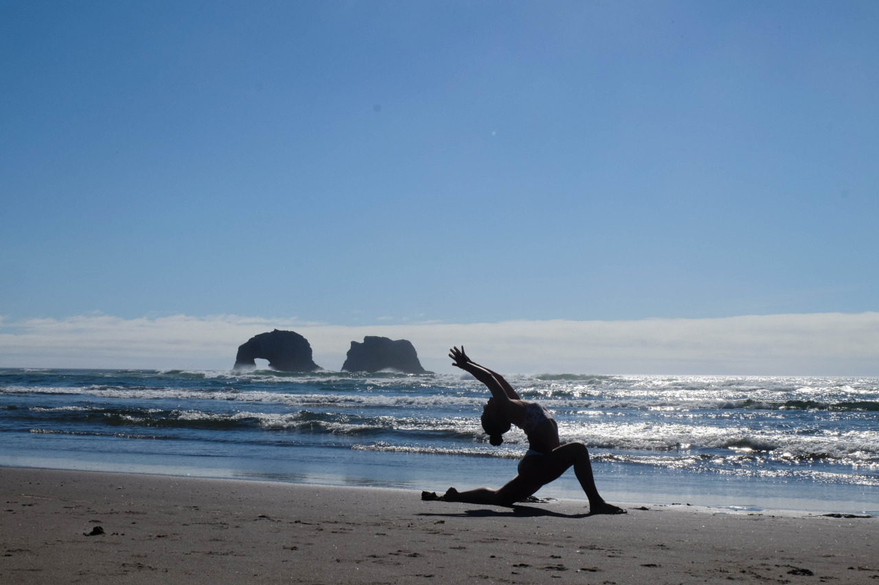 Anjaneyasana | Low Lounge Rockaway Beach | Oregon | USA