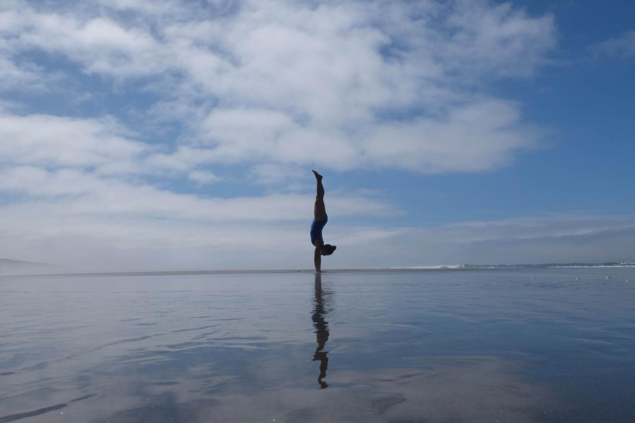 Adho Mukha Vrksasana| Handstand    Fort Stevens State Park | Oregon | USA