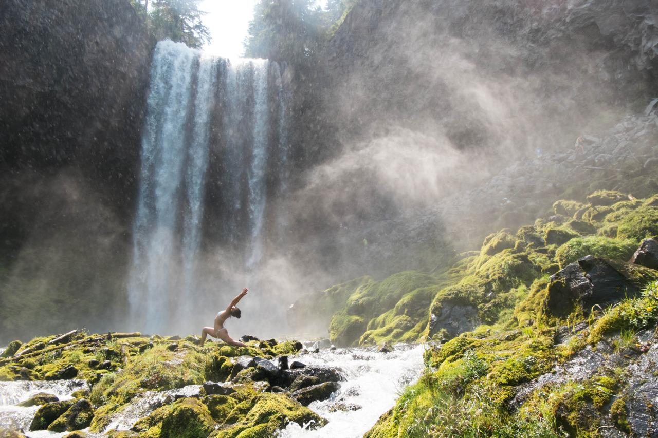 Virabhadrasana II | Warrior II pose    Tamanawas Falls | Mount Hood | Oregon | USA