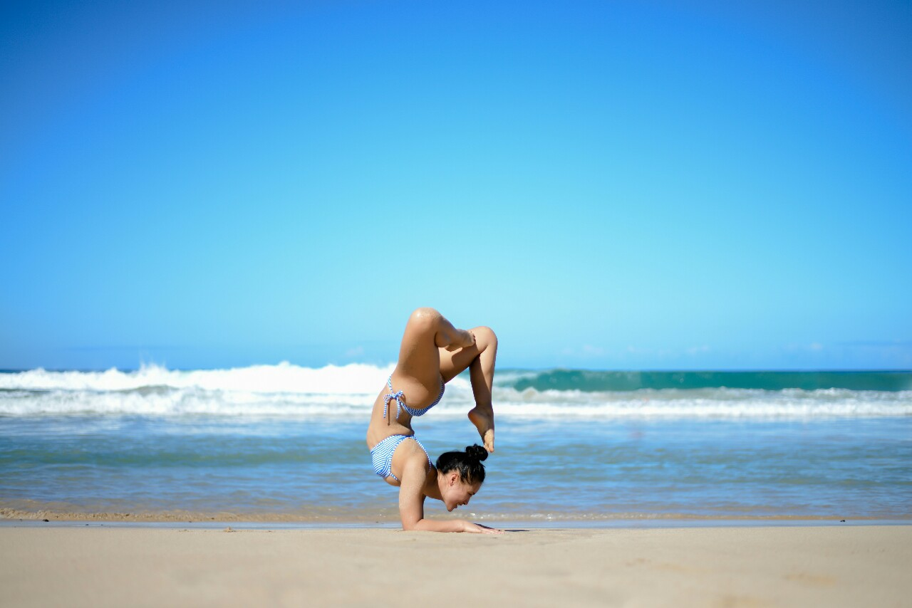 Pincha Mayurasana | Forearm Stand  Hapuna | The Big Island | Hawaii