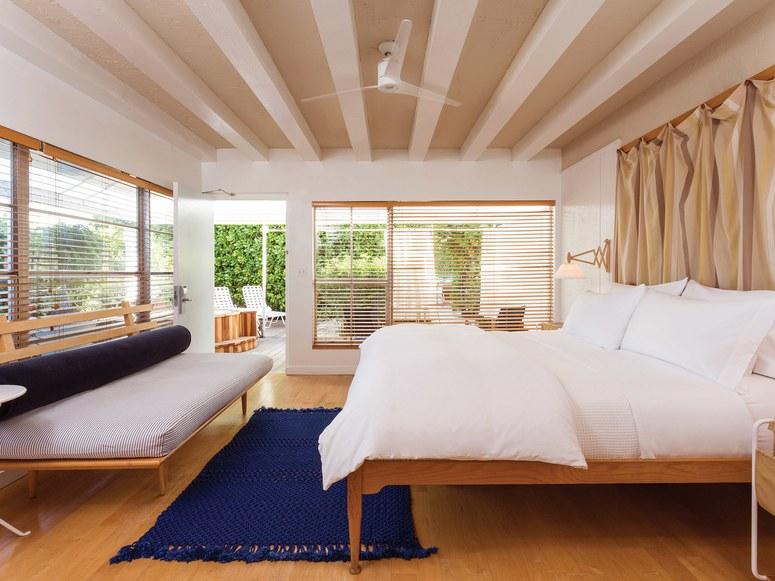 Bedroom-TheStandardSpaMiami-Florida-CRHotel.jpg