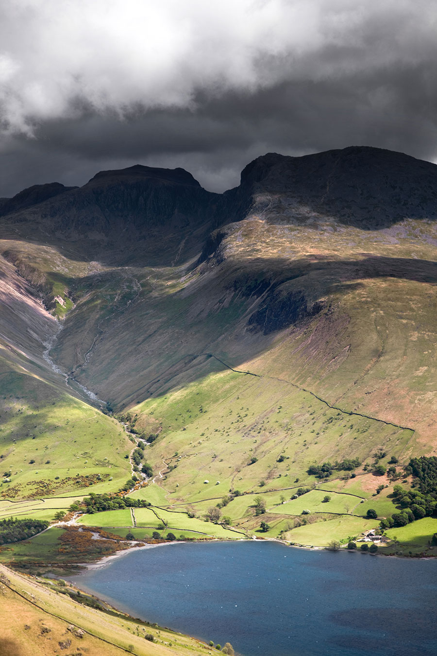 Scafell-and-the-Pike-in-dark-cloud.jpg