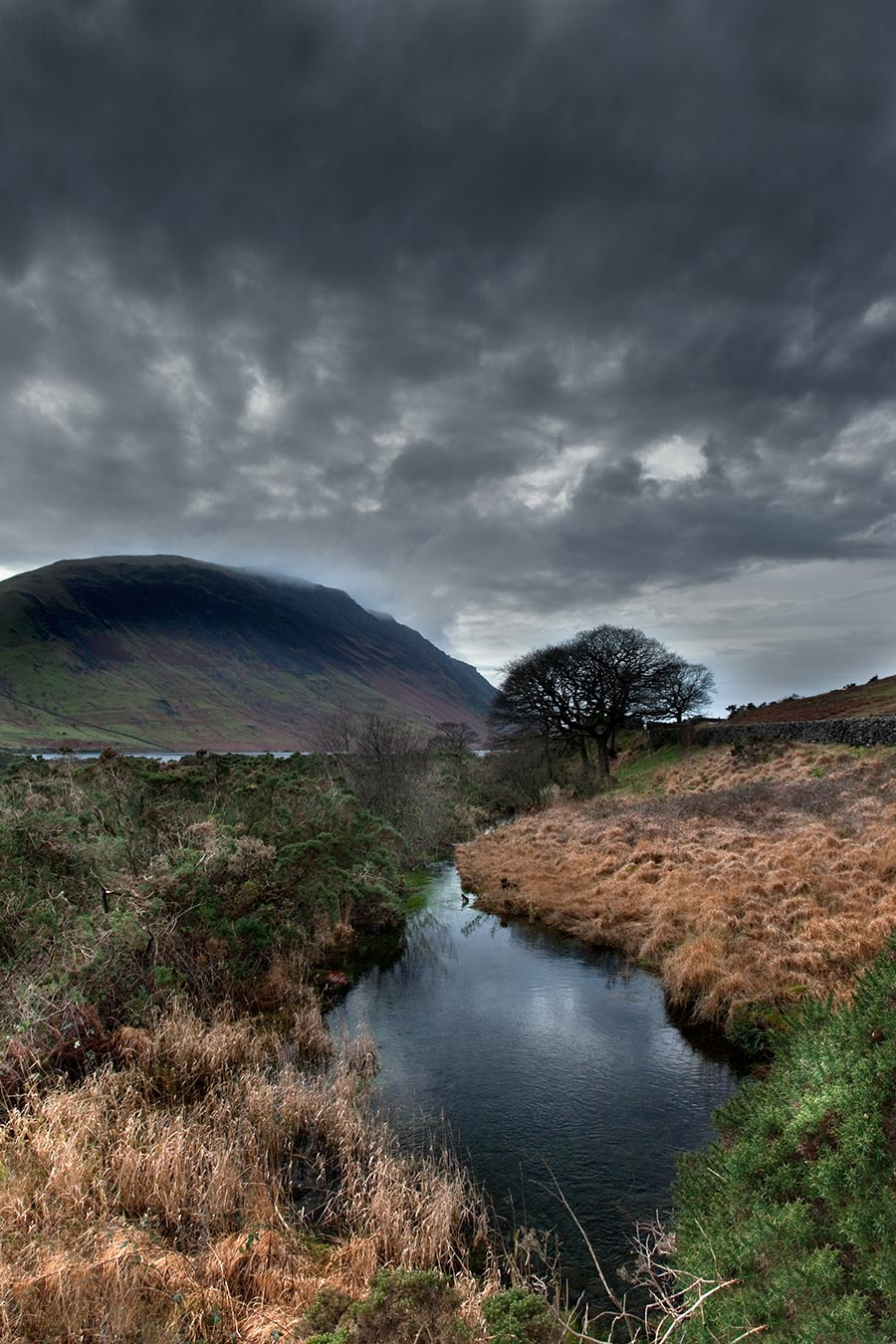 Storm-approaching-Illgill-Head.jpg