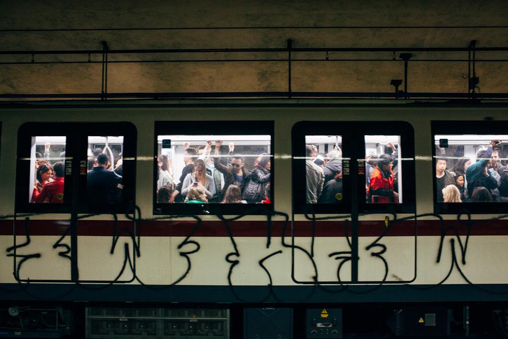 Roma Metro LR-6829.jpg