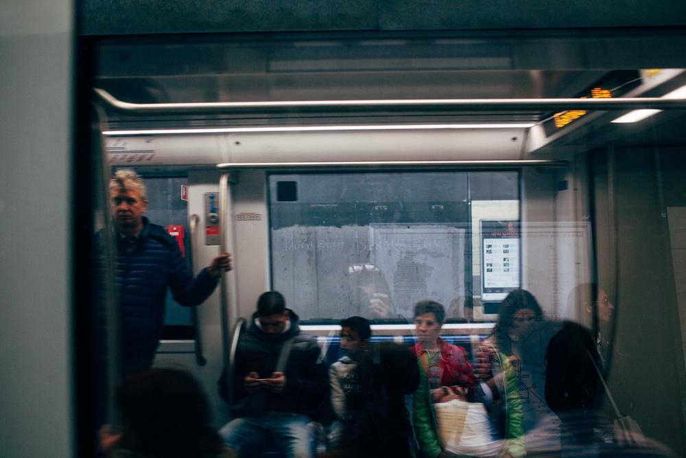 Roma Metro LR-6875.jpg