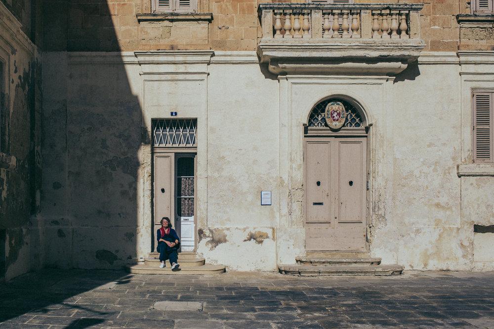 Tourists in the sun LR-2.jpg