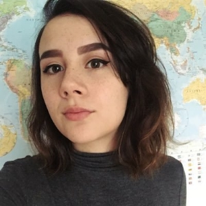 "Nadine - @justdeenie  ""Journalism student blogging about cruelty-free beauty, vegan food, travel & trying to live more consciously. Sometimes make vids."""