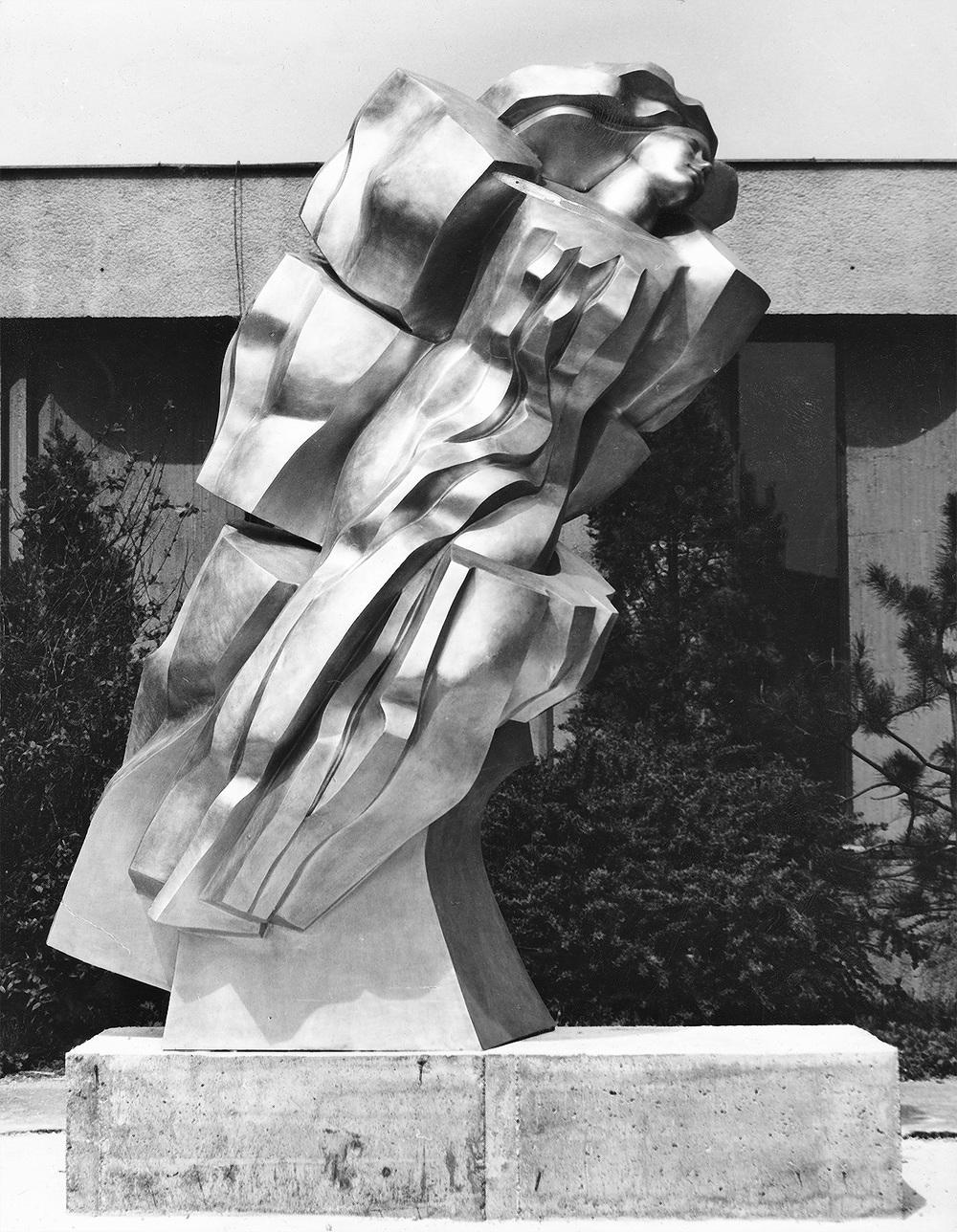The Flying     aluminum Bratislava 1983 330 cm