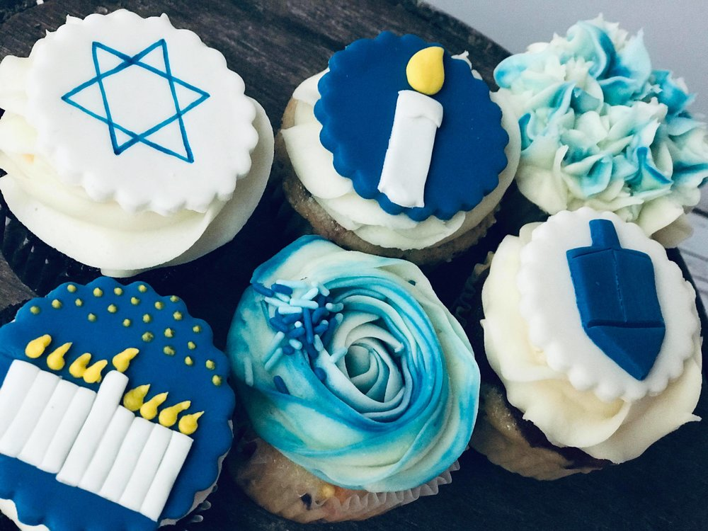 Chanukah Cupcakes - $36/dozen - mixed toppers and florals
