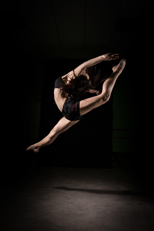 LR_Express_Dancer_Series-33.jpg