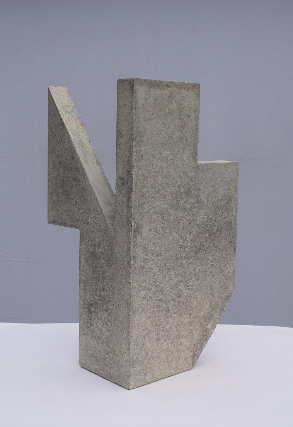 Sangar III (60 × 30 × 30 cm)
