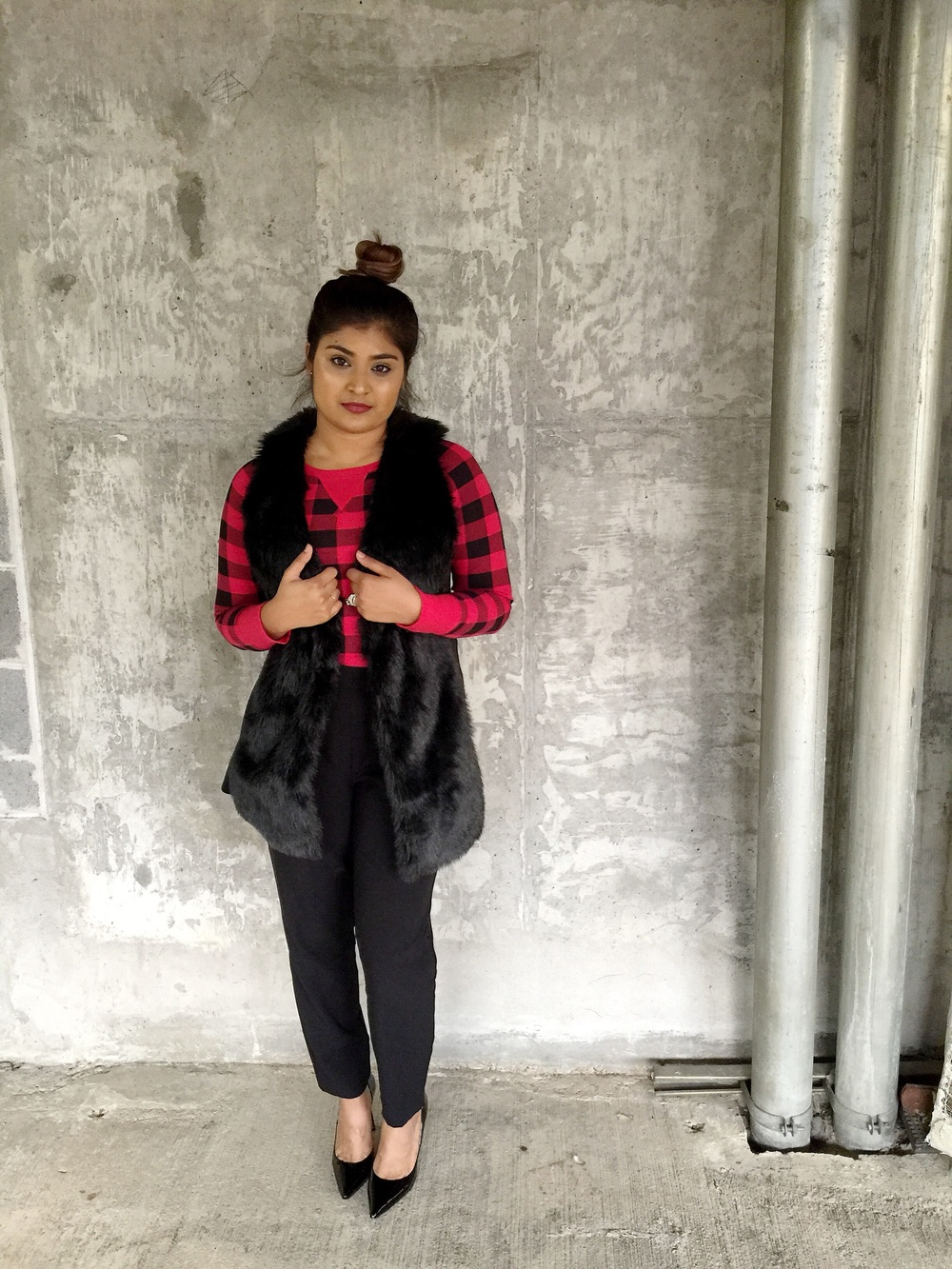 Top Bun, Faux Fur + Plaid | Fashion Blogger - by: Vashti Co.