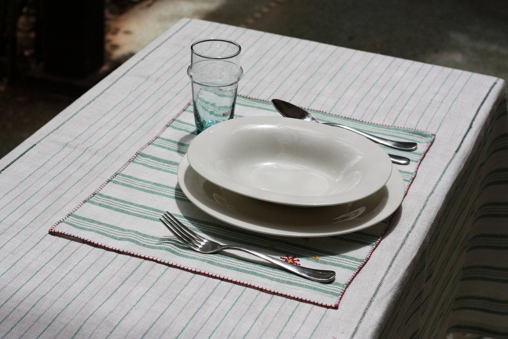 table_linen_Isola_vert28.jpg