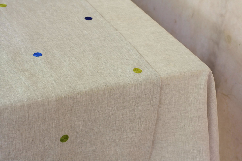 table_linen_polka_nature1.jpg