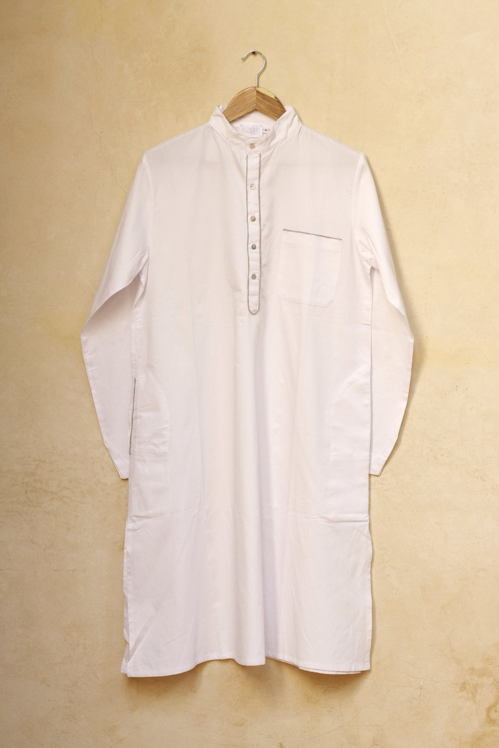 Men_Long_Shirt_Roberto_white_1.jpg