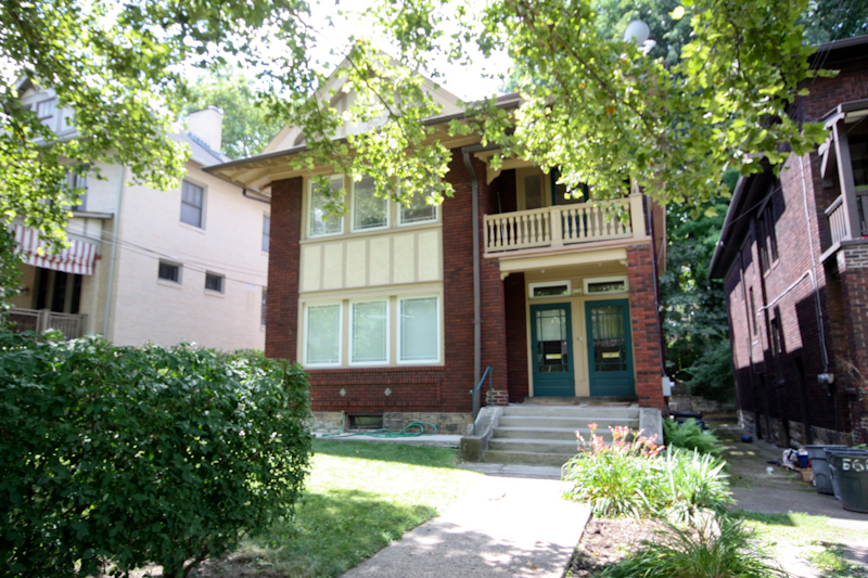 Exterior Front: Large duplex located north of Forbes in Squirrel Hill. Awesome location! Steps to shops and restaurants.