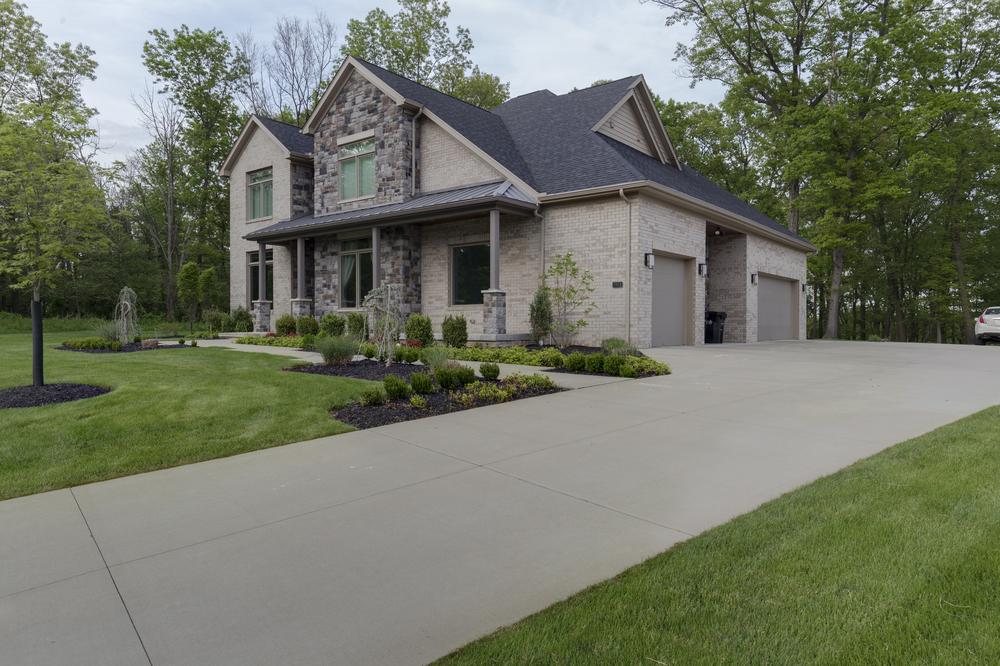 9818-Sumner-Drive-Madia-Homes-0004.jpg