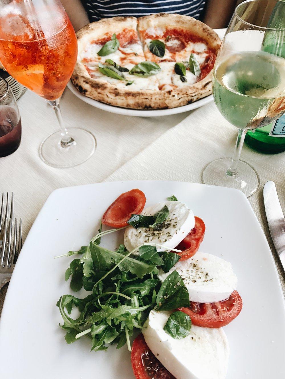 Capri_Italy_Caprese_Salad.jpg