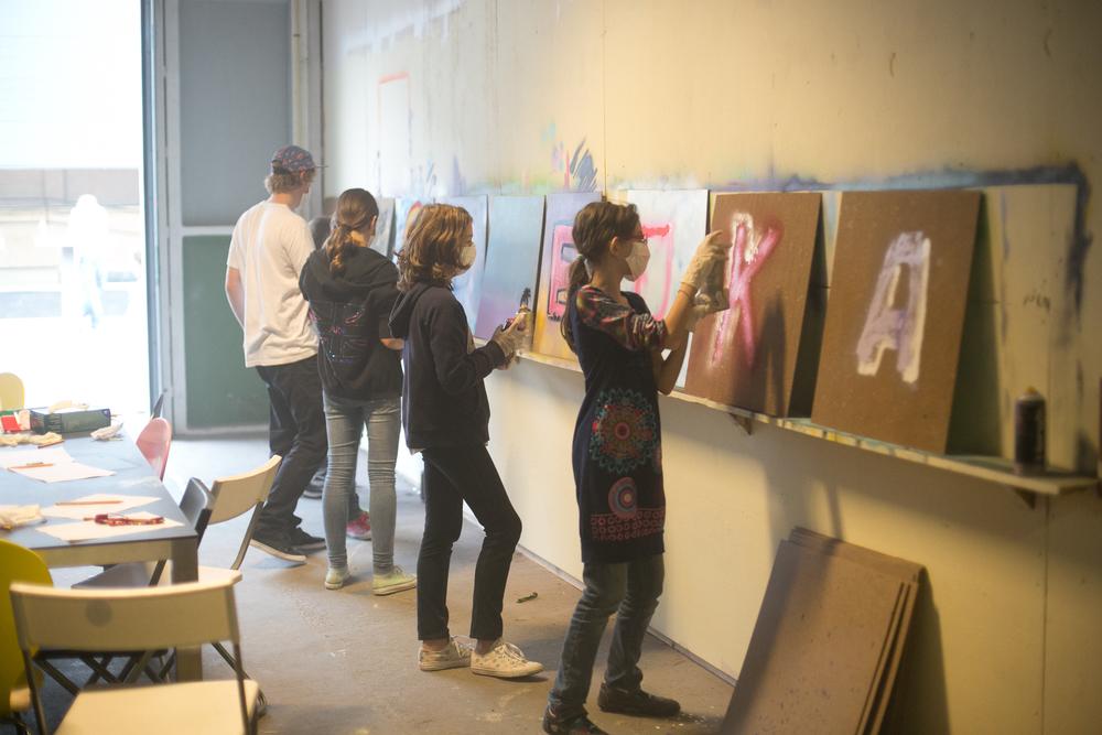 Graffitiworkshop tag Graffiti Kinderfeestje den Haag 2015 .jpg