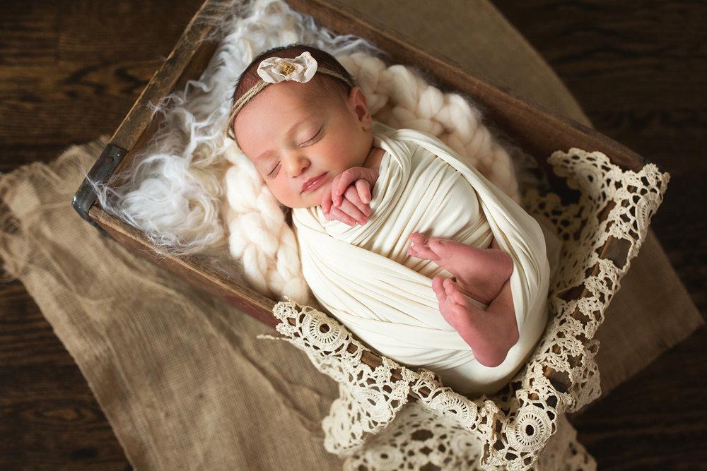 Naperville Newborn Photographer Julianne Green