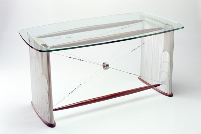 GLASS HELI DESK