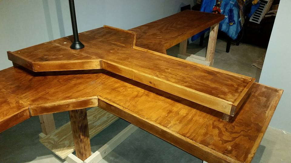 Desk final 2.jpg