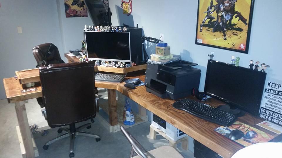 Desk final 3.jpg