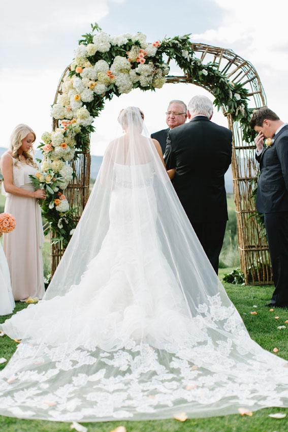 Red-Sky-Ranch-Wedding-the-dejaureguis-008.jpg