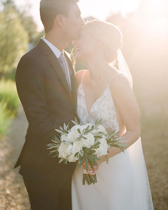 These two. This light. Pure joy!! ❤️ ⠀⠀⠀⠀⠀⠀⠀⠀⠀ From a very special wedding @carnerosresort with @coledrakeevents Florals by @juliestevensdesign dress by @sarahseven . . .  #weddinginspo #happycouple  #weddingdayphotography #napaweddingphotographer  #californiaweddingphotographer  #sunflare #filmweddingphotographer #lovelysquares #destinationweddingphotographer #hasselblad #ishootfujifilm #fineartweddingphotographer #winecountrywedding #erinheartscourt