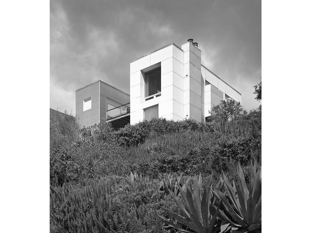 OAKLAND HILLS HOUSE_01.jpg