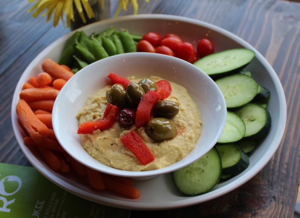 Hummus platter at Perfect Pear
