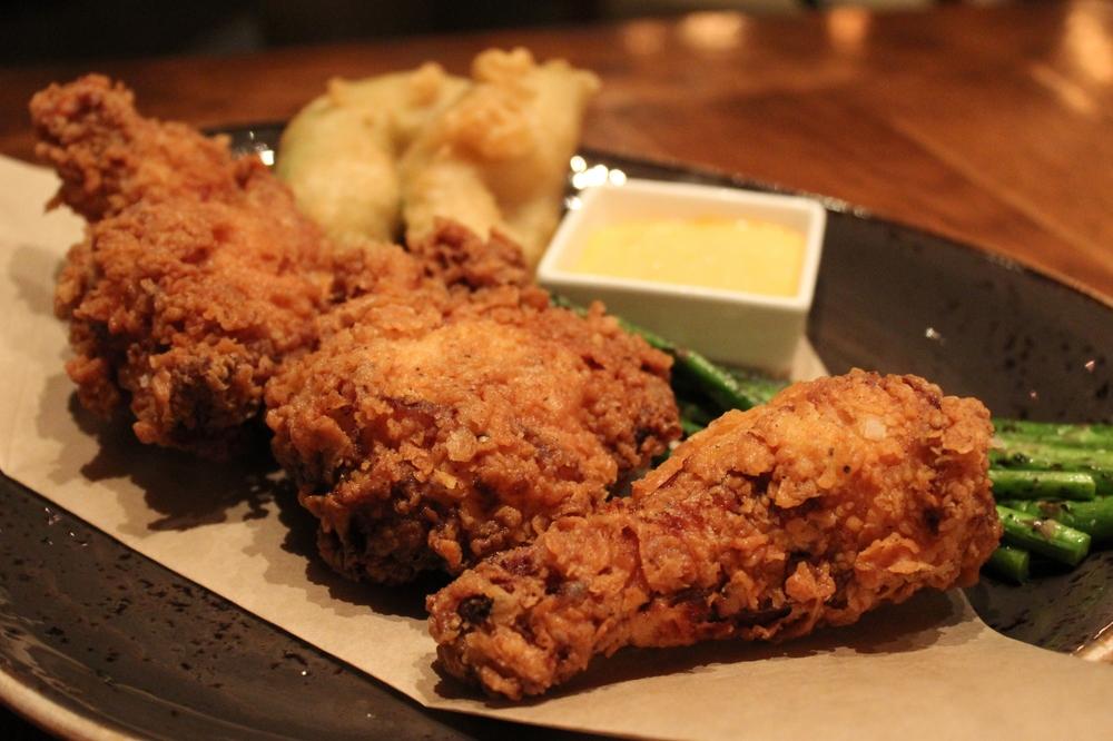 Fried chicken with asparagus and tempura avocado