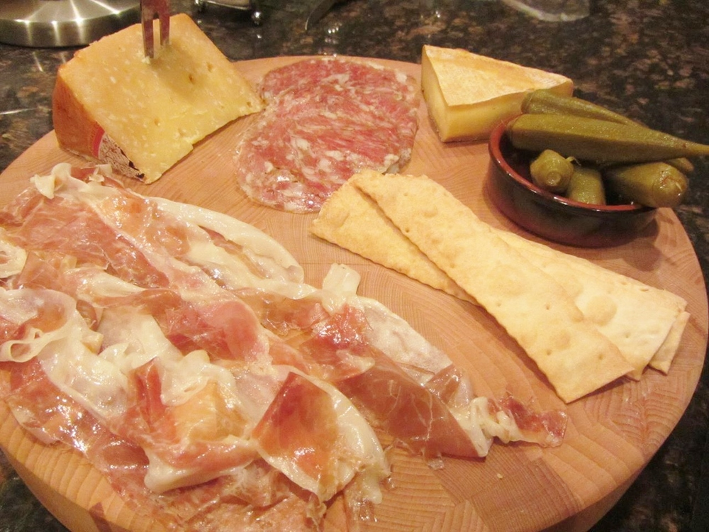 Johnston County Mangalitsa, Sole Gran Queso, finocchiona, Mini Grayson, Smokra, Cowgirl Creamery crackers.