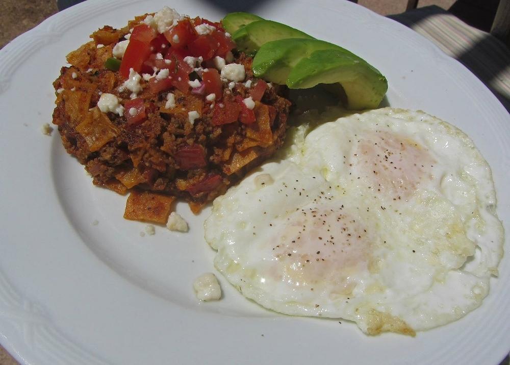 Room service: huevos rancheros