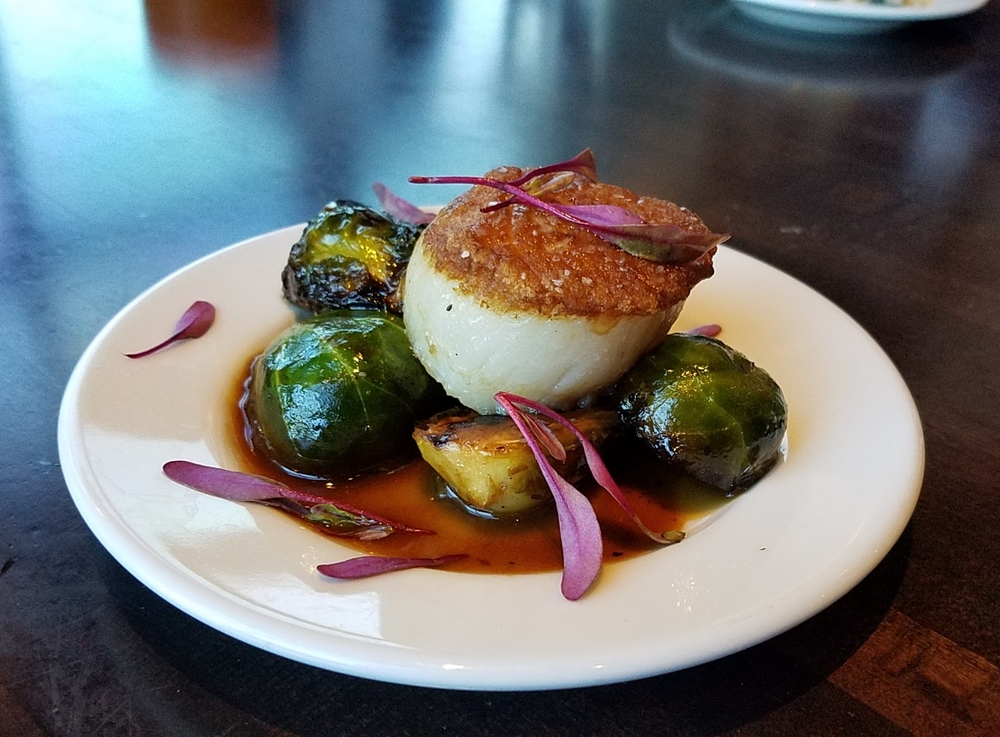 Scallop with brussels sprouts and pancetta