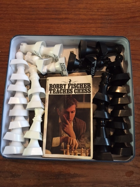 Bonus peek inside my obsessive compulsive behavior! This is how I insist on organizing the interior of my chess box. It's a very precise arrangement.