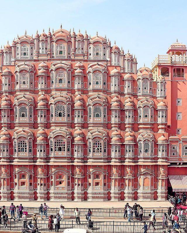 Hawa Mahal, The Pink City (Jaipur) | Photo credit: @poshbrokebored